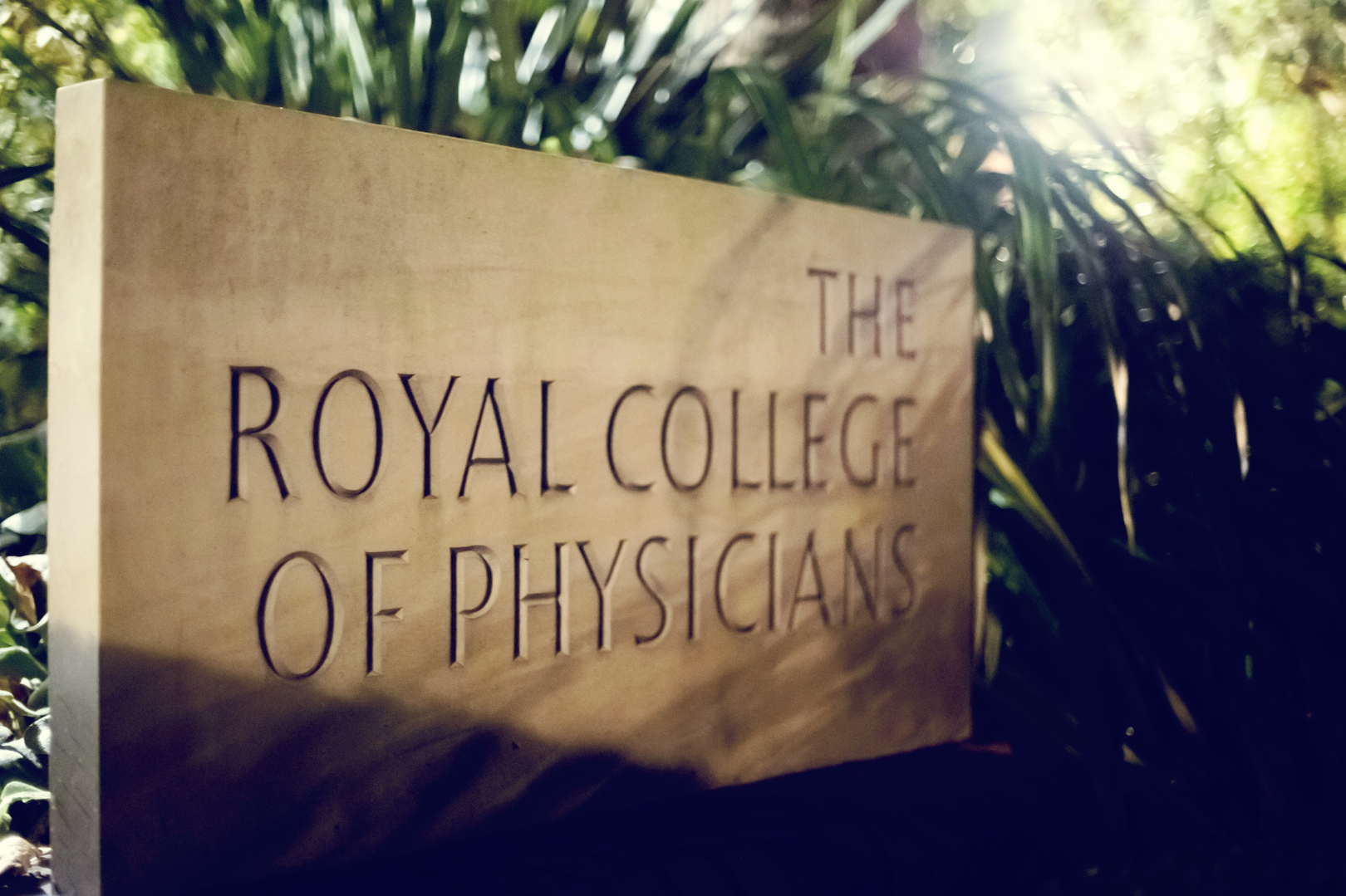 Sign of the Royal College of Physicians